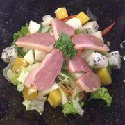 Salad thịt và trái cây
