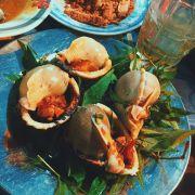 Thế giới ốc, đắm chìm trong hải sản. Sài Gòn đón em bằng bữa tối thật tuyệt vời.