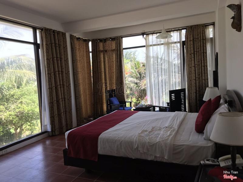 Book phòng superior with ocean view , nhưng khi nhận phòng lại dẫn đi qua 2 phòng khác... nhưng nói 1 hồi cũng dc dẫn về đúng phòng có giá trị