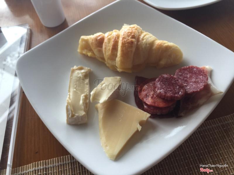 bữa sáng ở resort