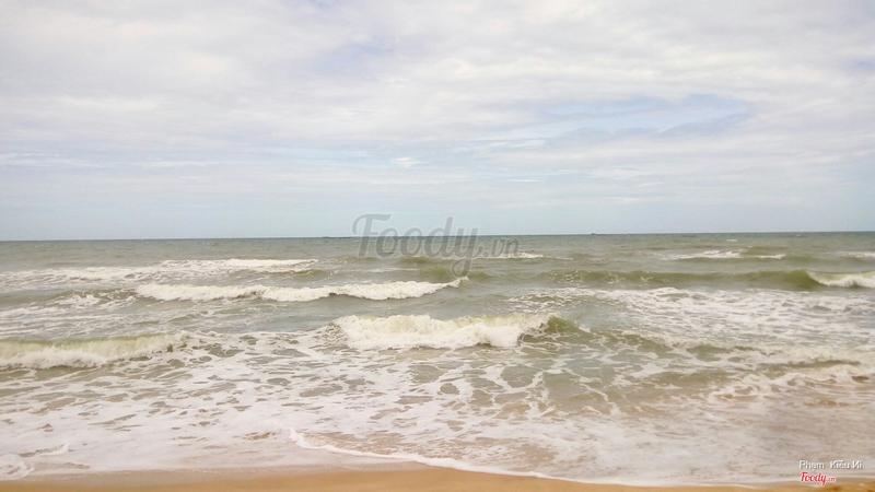 Biển xô sóng trào