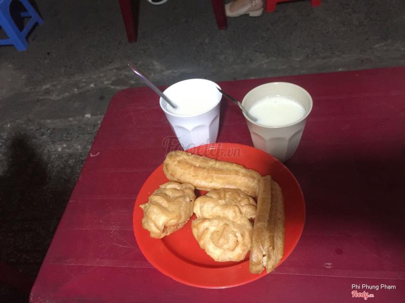 Sữa + bánh