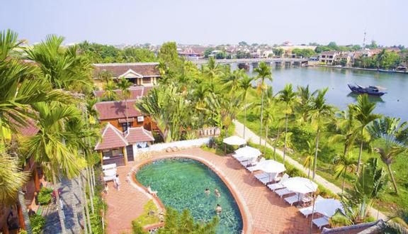 Phố Hội Riverside Resort