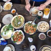 Canh chua cá diêu hồng / cà pháo mắm tôm / thịt heo kho trứng