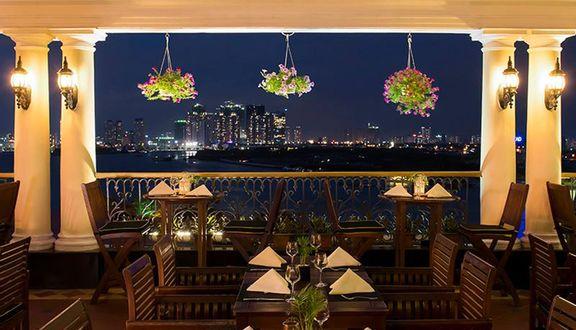 Breeze Sky Bar - Majestic Hotel