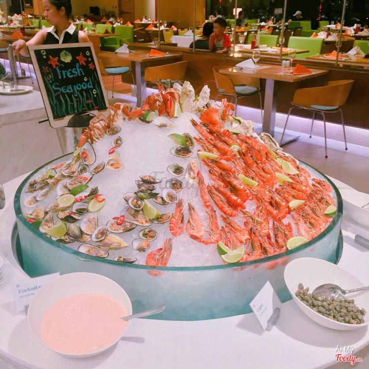 Feast - Sheraton Hotel Nha Trang ở Khánh Hoà