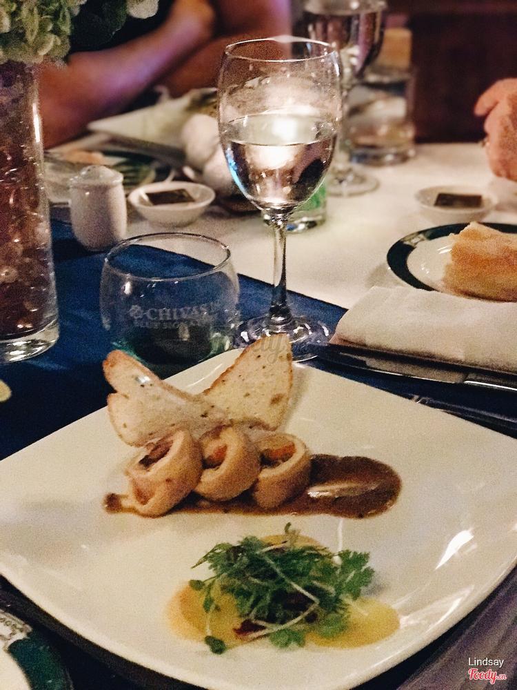 Cà cuộn nấm rừng Pháp sốt rượu vang đỏ + bánh mì