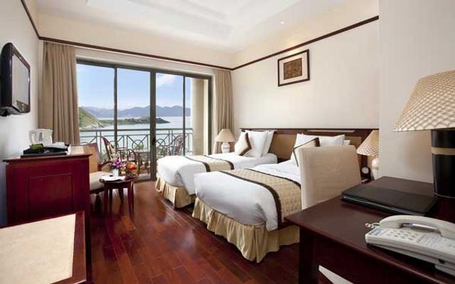 Ocean Window Spa & Resort