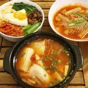 canh kim chi + cơm trộn + tokbokki