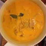 Bún cà ri vàng với thịt heo