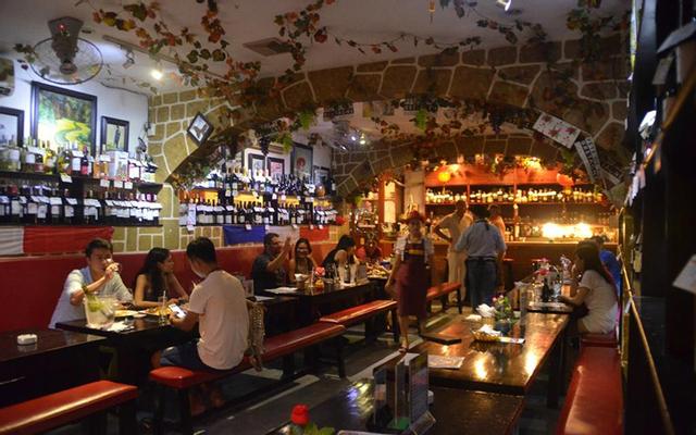 Patrick - Wine Bar & Creperie