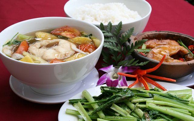 Đông Nam Quán - Trần Văn Nam