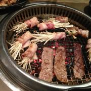 Ba chỉ cuộn nấm kim châm + thịt bò nướng