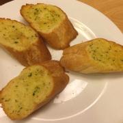 Bánh mỳ bơ tỏi