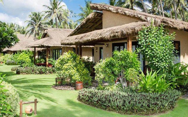 Bamboo Village Làng Tre - Beach Resort & Spa