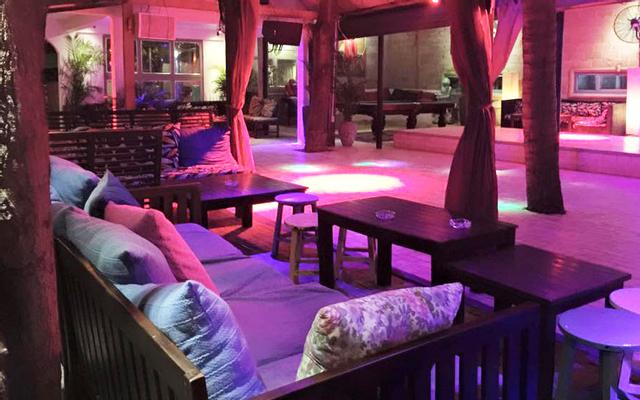 Dragon Beach Bar