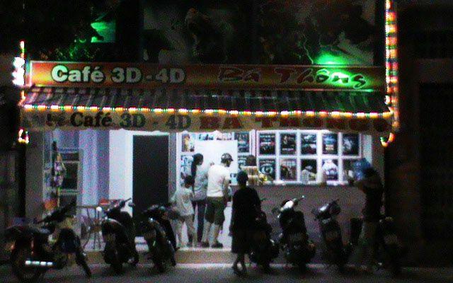 Bá Thông Cafe - Chiếu Phim 3D & 4D