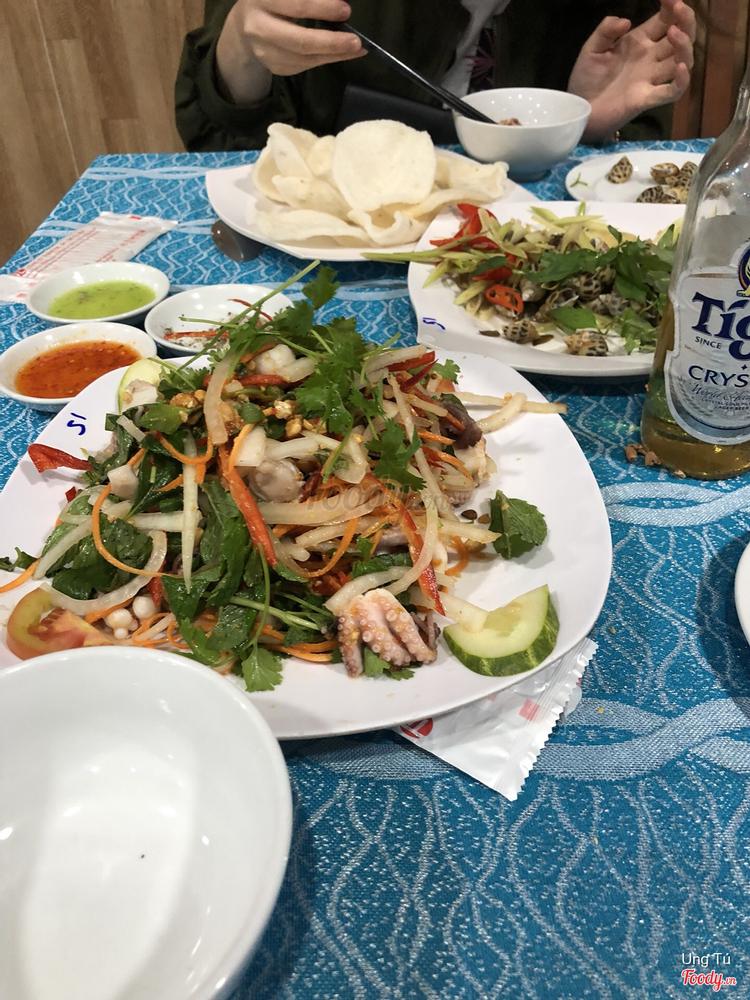Bờ Kè Quán - Hải Sản Tươi Sống ở Khánh Hoà