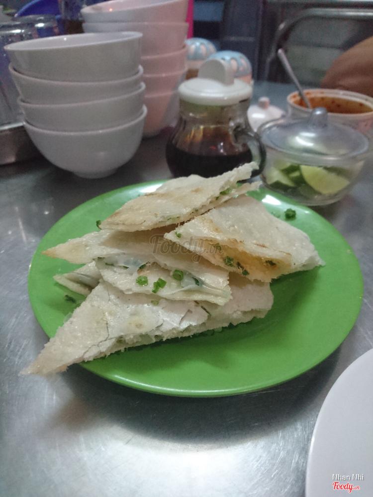 Bánh Ướt Nóng Cô Hà - Thơm Ngon, Hấp Dẫn ở Khánh Hoà