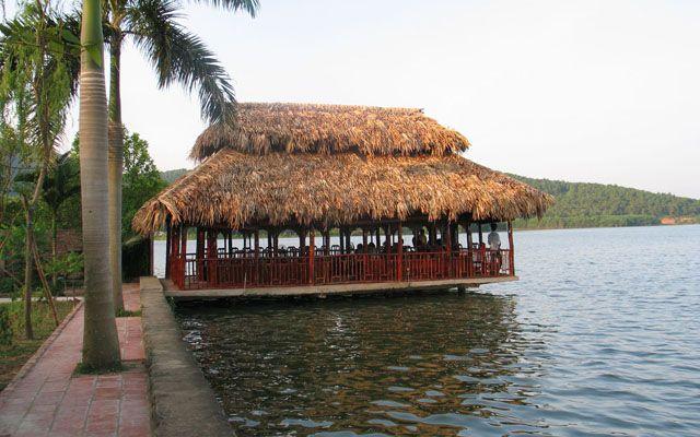 Vườn Sinh Thái Hương Tràm
