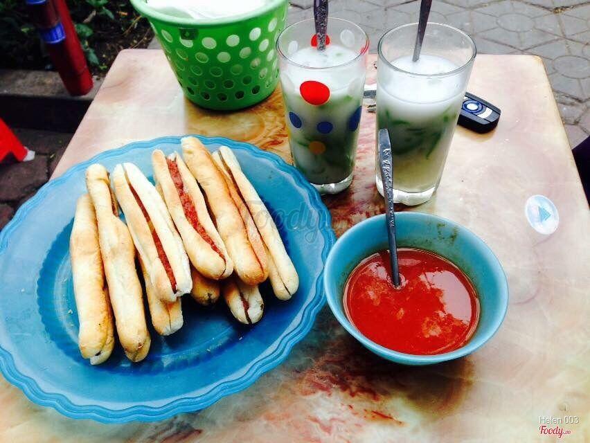 Bánh mỳ cay & chè Thái