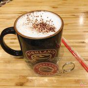 Thu rồi, hoàn thành nốt mấy cái lịch mùa hè, uống nốt cốc cafe ☕️ hẹn hò thôi Đường dài mà, đi rồi sẽ đến, vội khéo ngã 😜