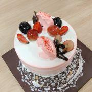 Gentle Pink Fresh Cake 1