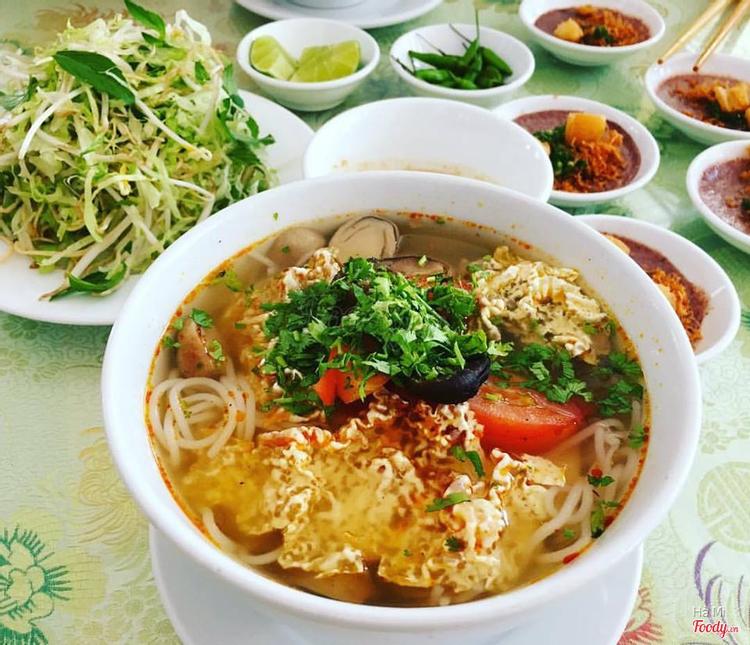 Cơm Chay Cô Tấm - Hồng Bàng ở Khánh Hoà