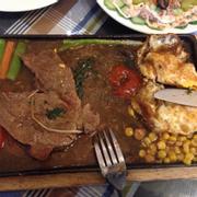 Thịt bò to dày nhưng mềm, nước sốt ngon