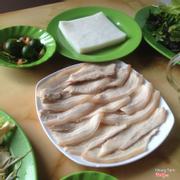 Bánh tráng thịt luộc