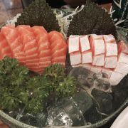 sashimi cá hồi - bụng cá hồi