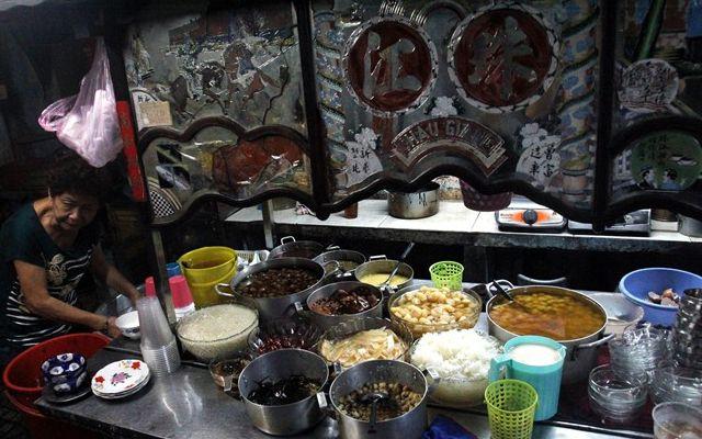 Chè Cột Điện - Chè Người Hoa Khu Đèn Năm Ngọn