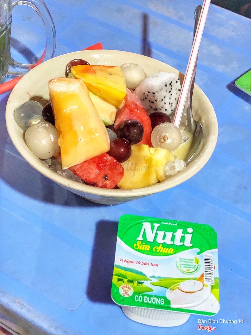 Trái cây dầm yaourt