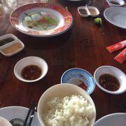 Quán ăn phuc vu qua kem, giong nhu xem thuong khach hang