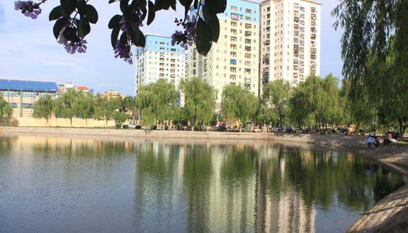 Hồ Đền Lừ
