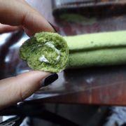 Bánh cuộn que trà xanh