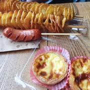 Khoai lốc + xúc xích + tart trứng