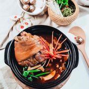 Đùi heo hầm nấm tươi. Sản phẩm siêu hot 2017 của nhà hàng Nấm Đại Việt