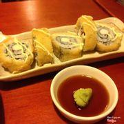 Fried sushi, ăn cũng khá ổn, nhưng mình thích souce là mayoinaise hơn. Wasabi không cay lắm