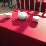 Mỗi khách đến sẽ có bình trà thế này cho ấm người