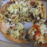 Pizza rất ngon, toping nhiều. Mình rất thích