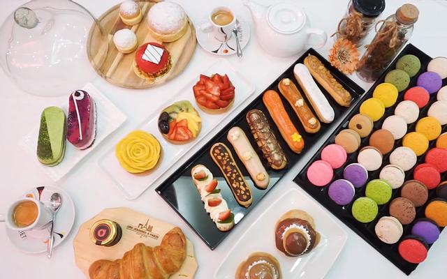 Une Journée à Paris Cafe & Bakery