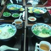 nguyên bàn ăn :D