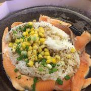 Cơm ăn kèm cá ngừ