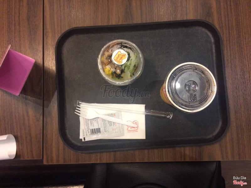 Món ăn kèm( nước + salad)