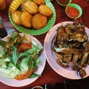 Thịt gà bình thường, mề ngon, xôi ngon. Giá hơi cao.