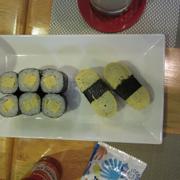 Tamago nigiri và Tamago hosomaki: cả 2 món đều rất ngon.