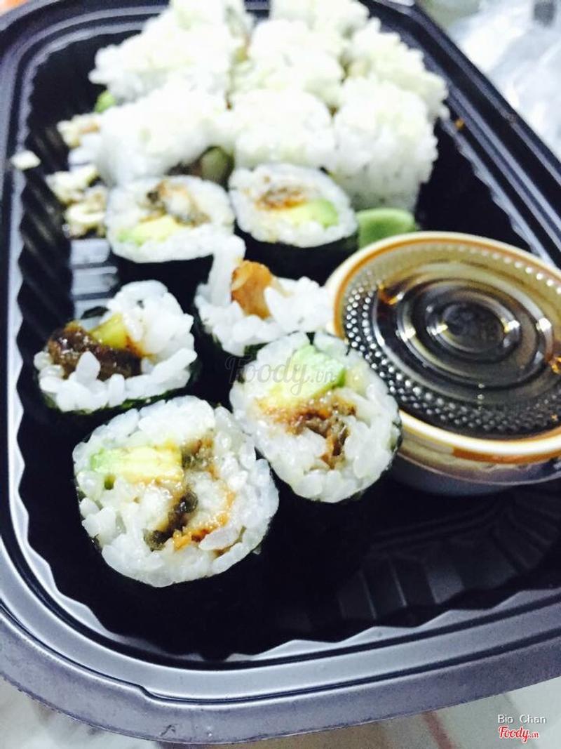 Maki lươn bơ (96k)