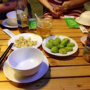 Món ăn chơi gồm hạt sen và cóc