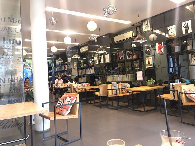 Cafe Nhà Sách Cá Chép - Cafe Sách ở Quận 3, TP. HCM | Foody.vn